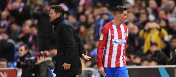 Simeone abre la puerta de salida a Fernando Torres