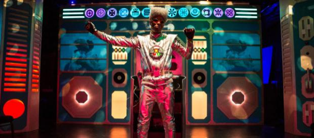 """The Brobot Johnson Experience"" stars performer Darian Dauchan. / Image via Maria Baranova, used with permission."