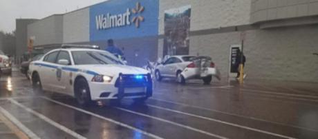 Rage gone wrong at Walmart. Photo via Lisa Neal / Facebook.