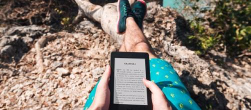 5 great sites that help save money on the cost of Kindle eBooks. Image via businessinsider.com