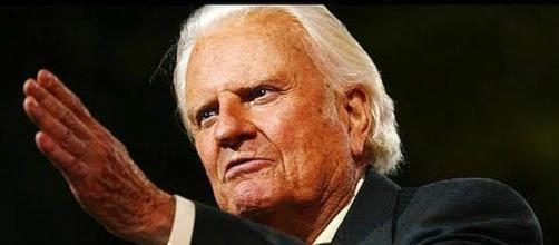 Details about Billy Graham's funeral [Image: Nicki Swift/YouTube screenshot]