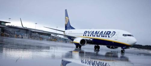 Equipaje: Ryanair solo permitirá llevar en cabina la maleta a los ... - elpais.com