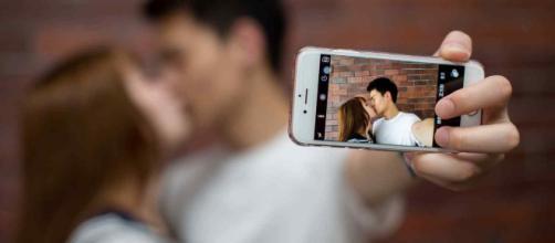 Lo que realmente piensan las personas sobre exhibiciones públicas de afecto