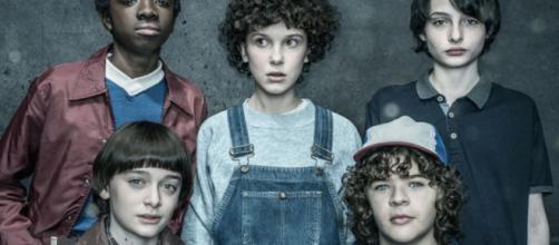 Novos personagens se juntam à terceira temporada de Stranger Things (foto reprodução).