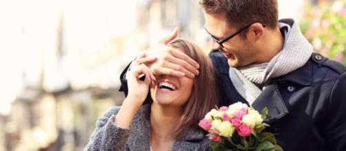 ¿Quién es realmente más romántico, hombre o mujer?