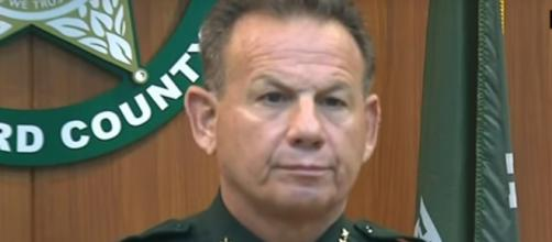 Sherrif Scott Israel is disgusted with officer who failed to protect kids [Image via Assosciated Press / YouTube Screencap]
