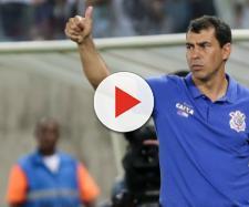 O técnico Fábio Carille deve decidir a titularidade do atleta. (foto reprodução)