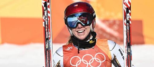Czech snowboarder Ester Ledecka uses secondhand skis to win gold ... - sportingnews.com