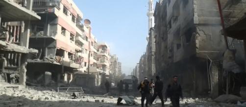 Ghouta Oriental, na capital Síria, Damasco, é controlada por grupos rebeldes extremistas e tem sido atacada pelo governo. Foto: VOA News