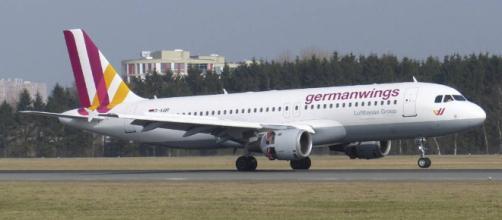 La posibilidad de sufrir un accidente aéreo es de 1 entre 4,4 ... - diariodenavarra.es