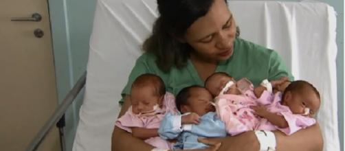 Mulher dá luz bebês quadrigêmeos