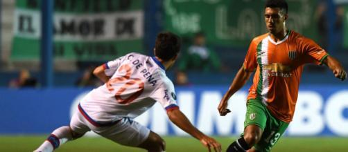 Nacional clasifica a la fase de grupos tras derrotar al club atlético Banfield - Infobae