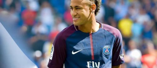 Neymar, blessé contre l'OM, pourrait manquer le match retour contre le Real