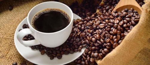 Qué es lo bueno y lo malo de tomar café? - Mejor con Salud - mejorconsalud.com
