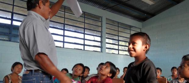 Abandono escolar aumenta 8% en Guatemala por desnutrición y falta ... - com.ni