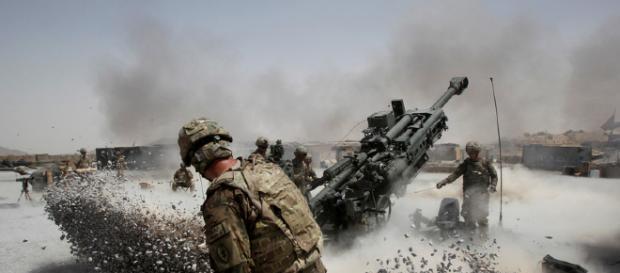 En el peor incidente, los militantes talibanes tomaron por asalto un puesto del ejército en la provincia occidental de Farah