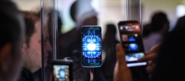 Samsung proyecta una larga sombra sobre el Mobile World Congress de este año. La reunión de la industria tecnológica en Barcelona