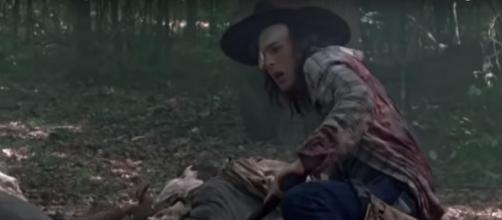 Carl gets bit on 'The Walking Dead' / Image via Eduardo Tocco, YouTube screencap