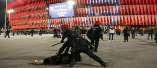La Ertzaintza, durante los incidentes en Bilbao