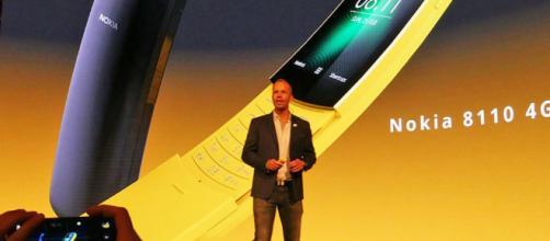 Nokia 8110: il telefono banana è tornato!