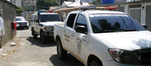 Policías acurrucados: los diputados se escondieron mientras la escuela era masacrada