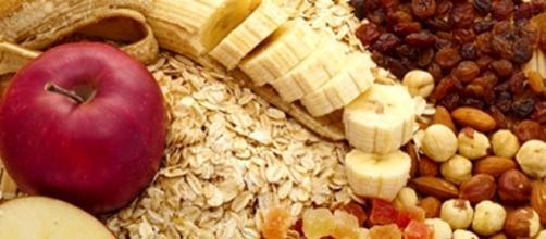 Una dieta ricca di fibre previene la diverticolosi e la diverticolite.