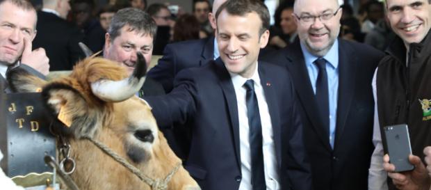 Salon de l'agriculture : Emmanuel Macron face aux éleveurs ... - publicsenat.fr