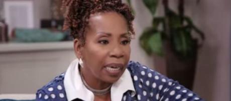Iyanla Vanzant speaks to Shamiyah Mobley on 'Iyanla: Fix My Life.' [Image via OWN/Screencap]