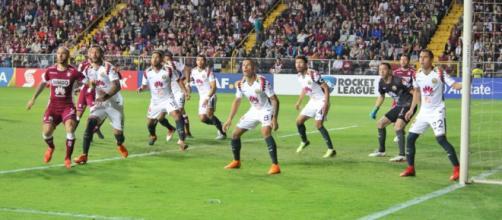 América podría jugar con suplentes la vuelta contra Saprissa.