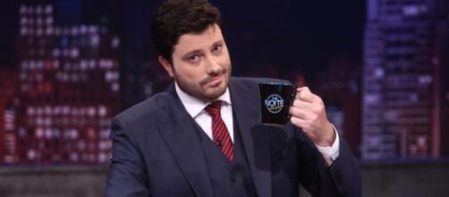 Danilo Gentili critica Globo na web. (Foto: Reprodução/SBT)