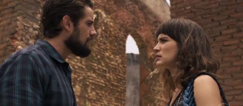 Imagem: Clara e Renato em 'O Outro Lado do Paraíso'.