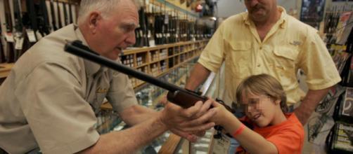 Masiva compra de pistolas durante el 'Black Friday' en Estados ... - elmundo.es