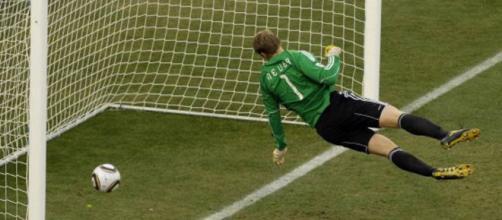 Reglamento FIFA: ¿Penalti y expulsión? Ya no siempre   Deportes ... - elpais.com