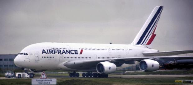 Air France cancela el 25% de vuelos por huelga de trabajadores.