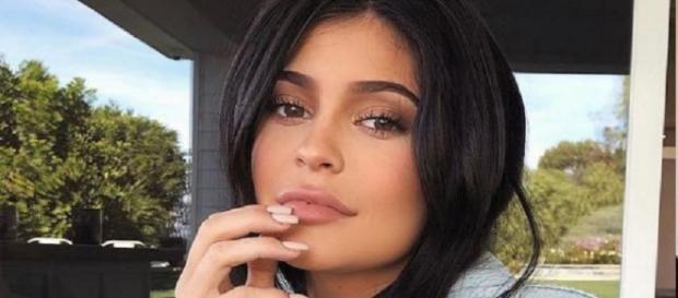 Han pasado solo unas pocas semanas desde que Kylie Jenner compartió un vistazo de su nuevo paquete de alegría, Stormi Webster para el mundo.