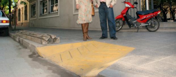 La Provincia coloca rampas para personas con discapacidad