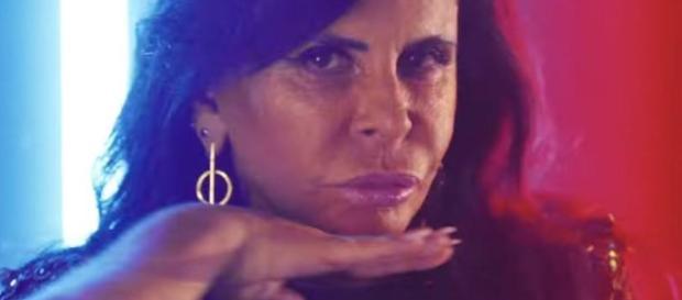 """New York Times chama Gretchen de """"meme queen"""" (""""rainha do meme"""", em português) em reportagem especial"""