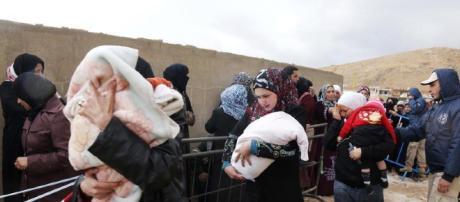 Los trabajadores humanitarios dijeron que los hombres intercambiarían alimentos y levantarían favores sexuales