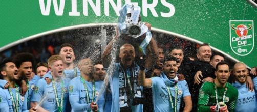 Con un golazo de Agüero, el City ganó la Copa de la Liga
