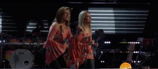 Hoda Kotb y Kathie Lee Gifford son todo corazón, y sobre todo armonía, en su audición a ciegas para 'The Voice'.