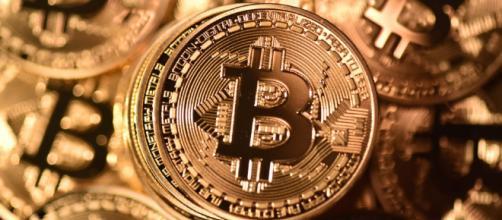 Nessuna regolamentazione per Bitcoin criptovalute sino al 2019