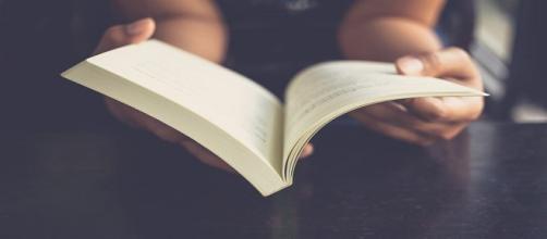 Viaja metafóricamente metiéndote en un gran libro