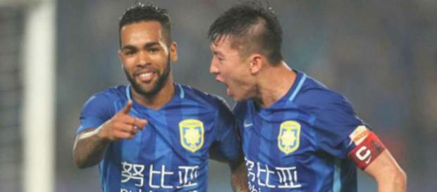 Clube chinês desiste de liberar Alex Teixeira para o Corinthians. (foto reprodução).