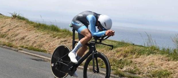 El Ciclista de 21 años, que no forma parte de la organización británica de ciclismo, se unirá a su compañero amateur
