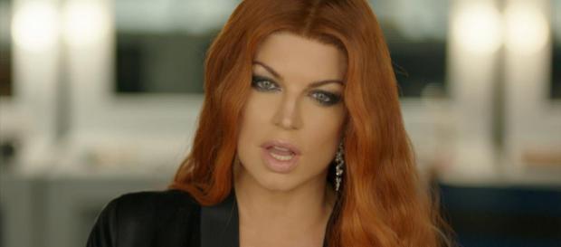 El himno nacional de Fergie es una conspiración.