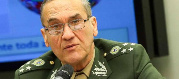 FAB se indispôs com a escolha de general do Exército para o Ministério da Defesa e Villas Bôas o defendeu. (foto reprodução).