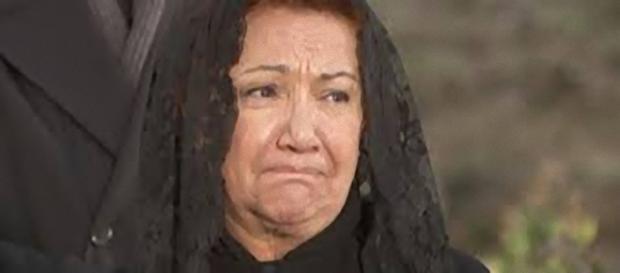 Il Segreto, trame spagnole: Dolores sconvolta da una notizia choc.