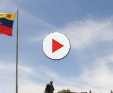 Imigrantes venezuelanos no Brasil são utilizados como arma econômica pelo governo, diz analista