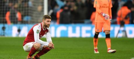 Arsene Wenger descarta las críticas de Gary Neville sobre los jugadores del Arsenal que caminan contra el Manchester City