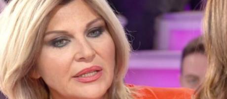Gossip Isola dei famosi: 'Striscia' mette nei guai Nadia Rinaldi?